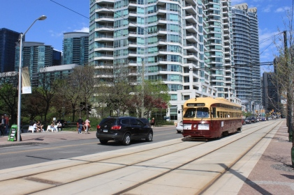 4500 WB on Queens Quay between Lower Simcoe and Rees Streets